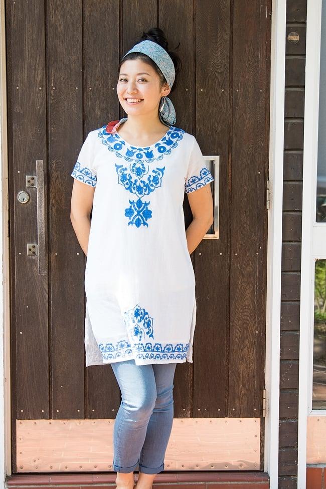 フラワー刺繍のサフェードクルティ 5 - C:ブルー