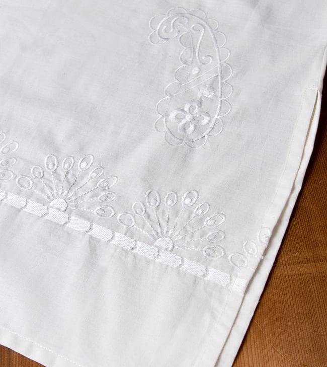 サフェード刺繍 シンプルホワイトクルティ 13 - 反対側です