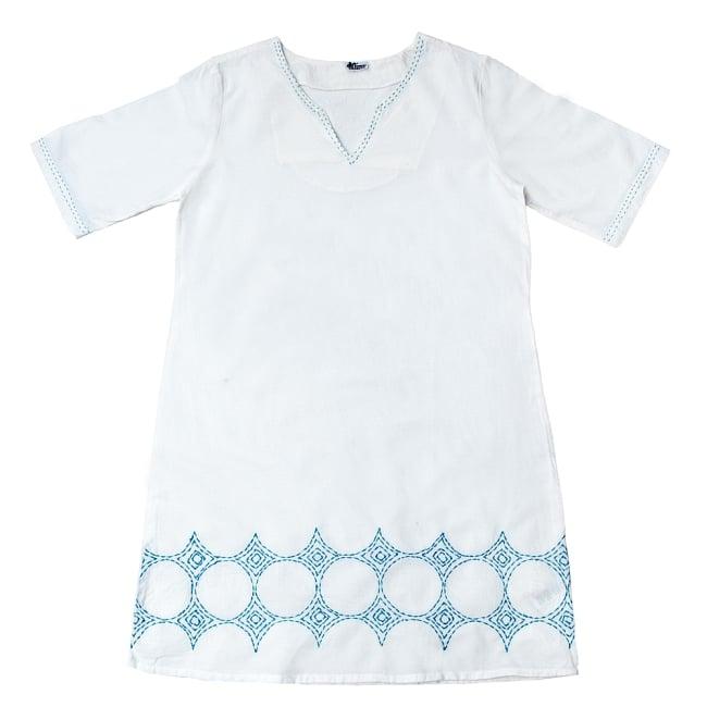 シンプルホワイトクルティ 白い生地に映える色付き刺繍の写真16 - B:刺繍の色 ブルーはこちら