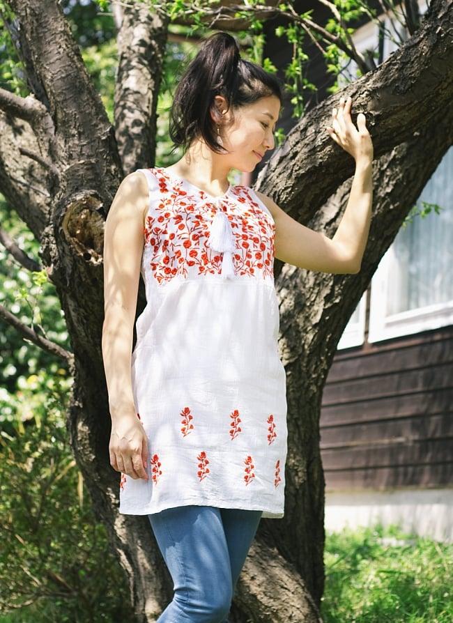ガーゼ生地の更紗刺繍ノースリーブクルティ タッセル付き 11 - 【刺繍の色 ブルー】はこちら