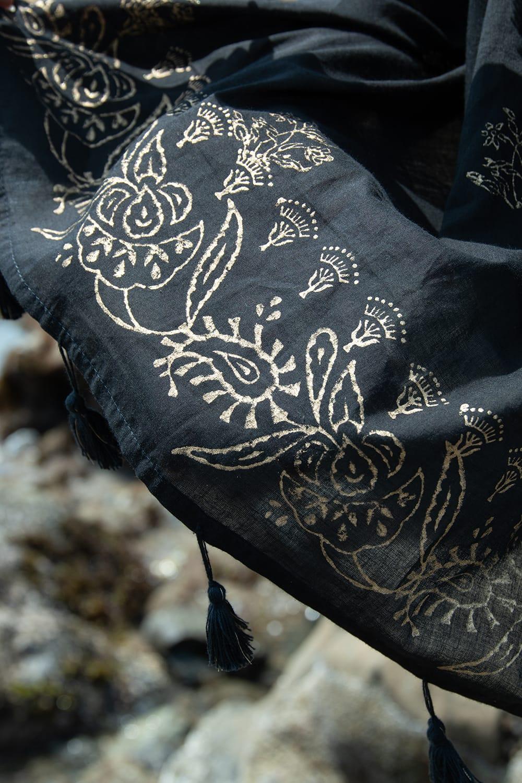 ゴールドペイズリーのスクエアチュニック 7 - 薄手のコットンは風通しがよく心地よいです。