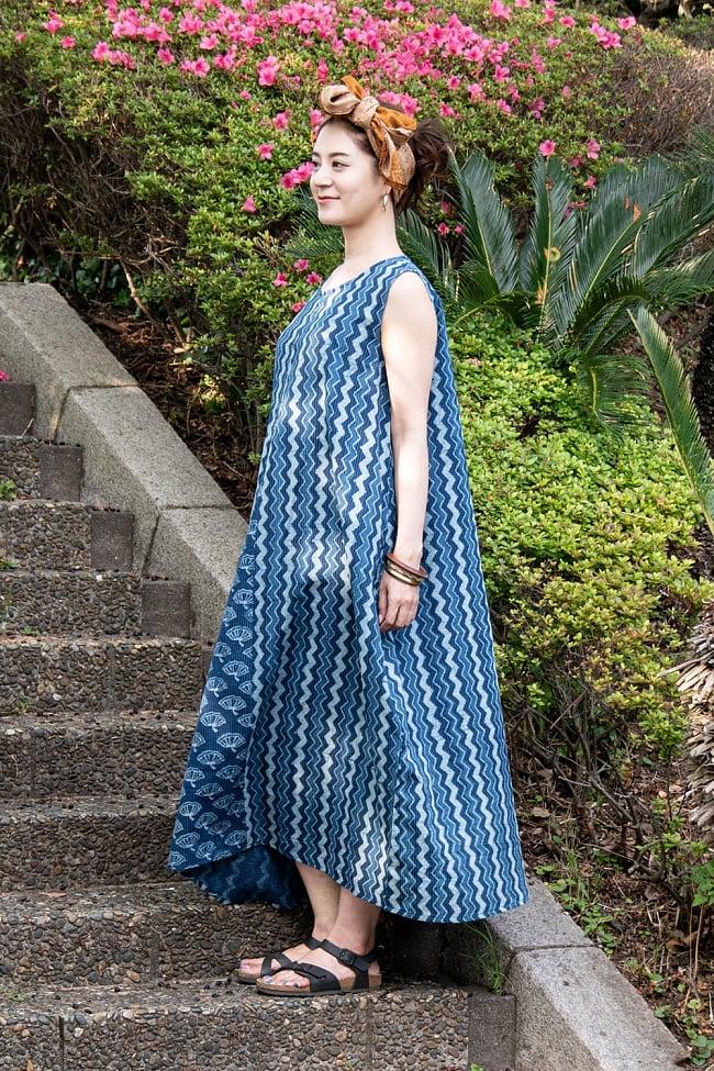 カンタ刺繍 藍染マキシワンピース 2 - 身長165cmのモデルさん着用例です。側面から見てみました。