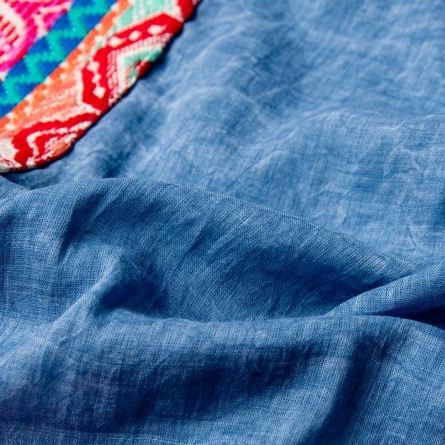 チロリアンテープのインド綿チュニック 8 - 生地は柔らかいガーゼ生地です。