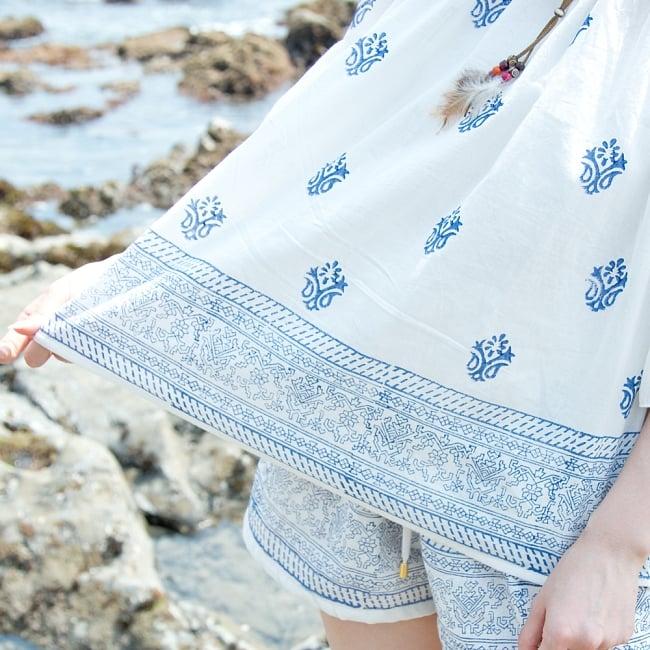 ウッドブロックプリントのシャツ&パンツ セットアップ 7 - 花や幾何学模様をモチーフにしたウッドブロックプリントが施されています。