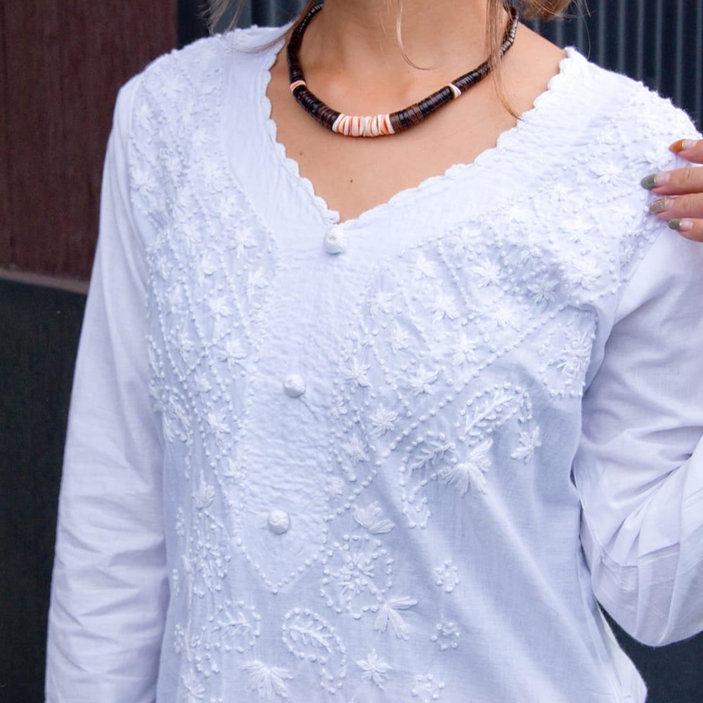 たっぷり刺繍のシンプルクルティ 10 - ホワイト