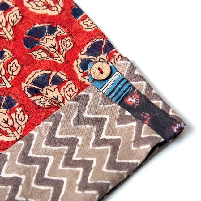 ウッドブロックプリントとパッチワークのロングクルティ 11 - 袖口にも飾りボタン。丁寧に作られています。