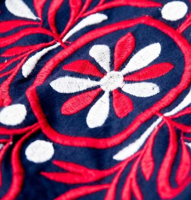 パフスリーブの刺繍ワンピース 11 - 立体的な刺繍がキュート