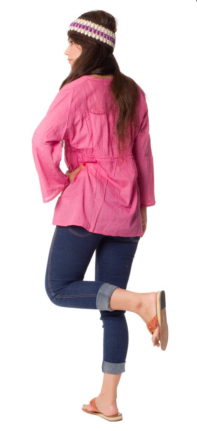 長袖フロントオープンコットンシャツ 【ピンク】の写真3 - 後ろ姿はこんな感じです。