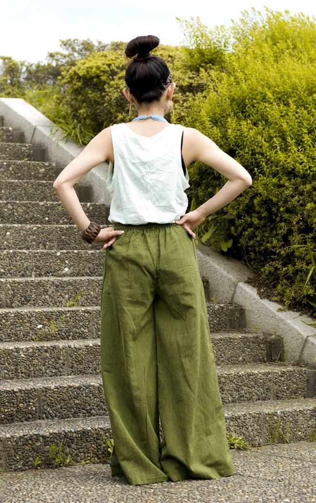 ワイドラップパンツ - 緑 3 - 後ろ姿はこんな感じです。