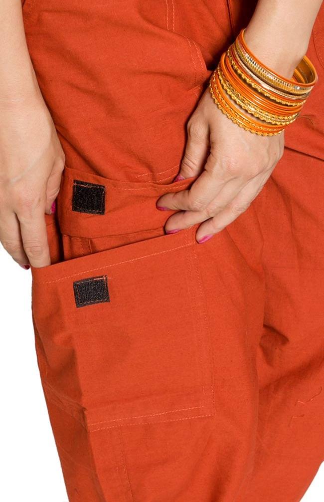 6ポケットコットンパンツ - オレンジ 3 - 大きなポケットが便利ですね。