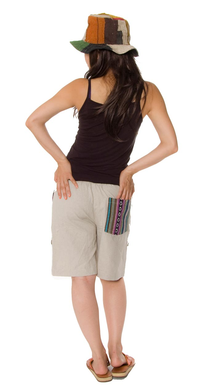 2WAY ポケット刺繍ショートパンツ 【ベージュ】の写真3 - 後ろ姿です。ポケットが可愛いですね。