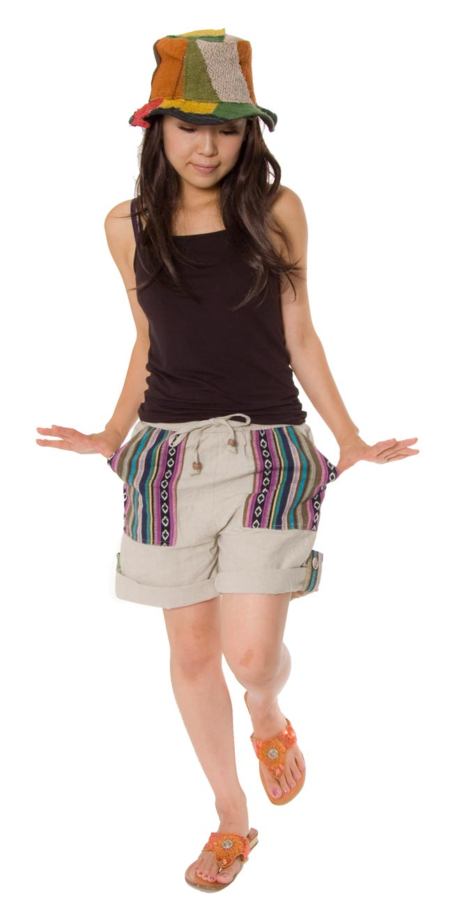 2WAY ポケット刺繍ショートパンツ 【ベージュ】の写真