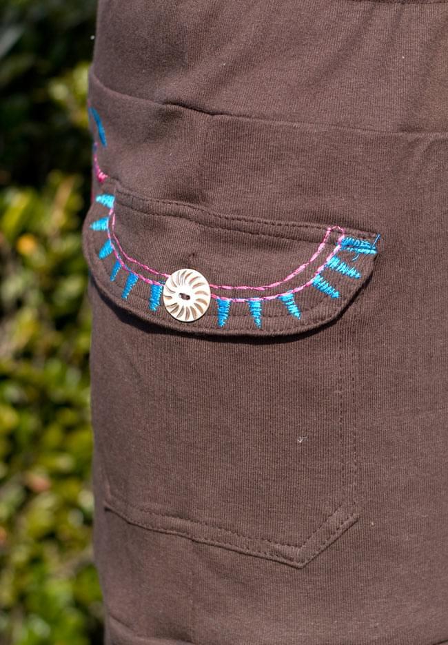 バック刺繍スウェットショートパンツ 【茶】の写真5 - ポケットもあるので便利です。