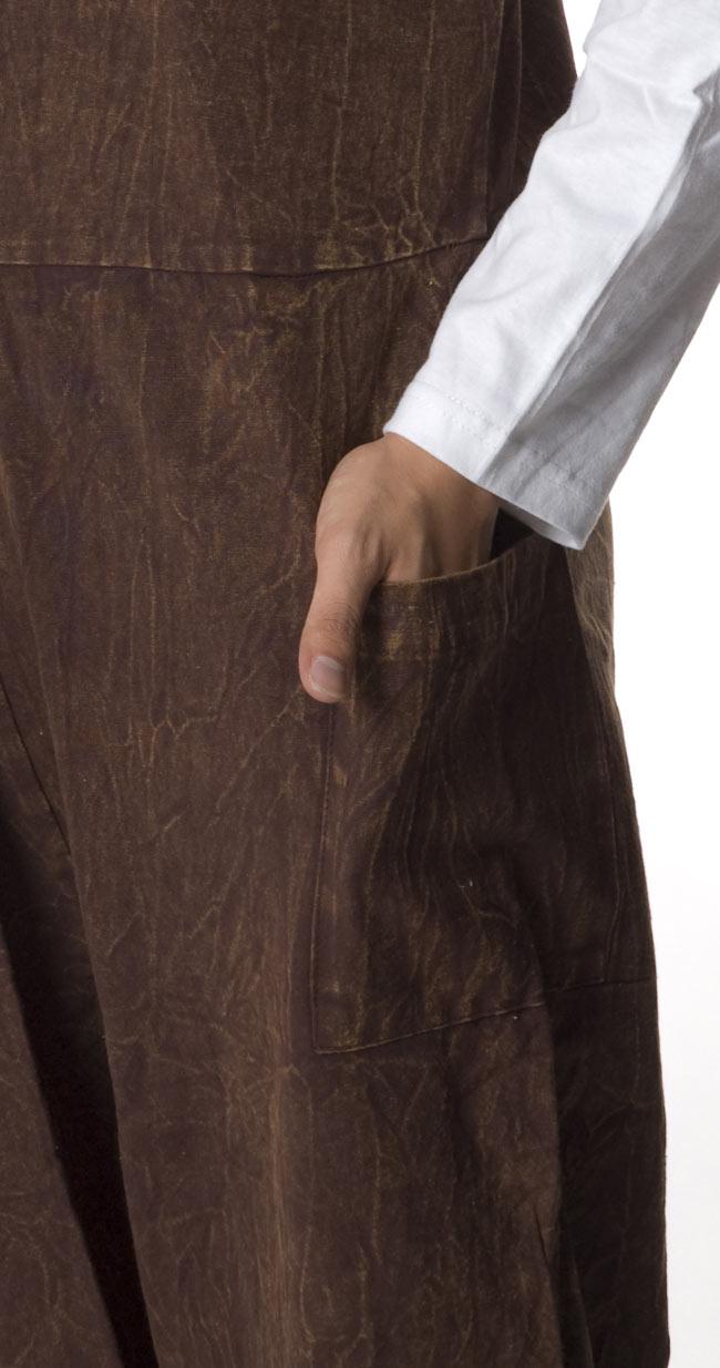 ストーンウォッシュサロペット 【茶】 7 - ポケットもあるのでとっても便利です。