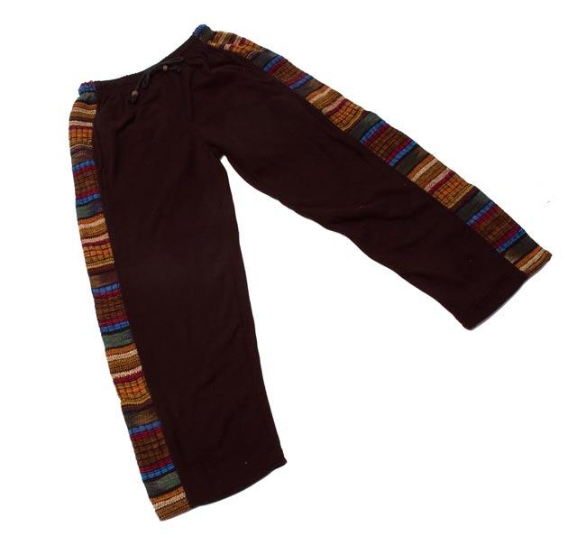 ネパールのフリースロングパンツ 【黒】 8 - 広げるとこんな形をしています。(こちらは同じデザインの色違いです)