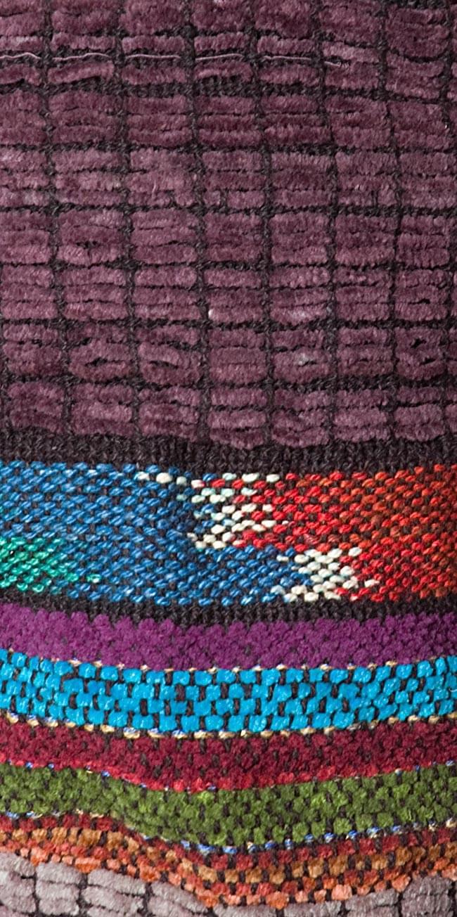 ネパールのフリースハーフパンツ 【紫】 6 - サイド部分をアップにしてみました。エスニックな雰囲気が可愛いです。