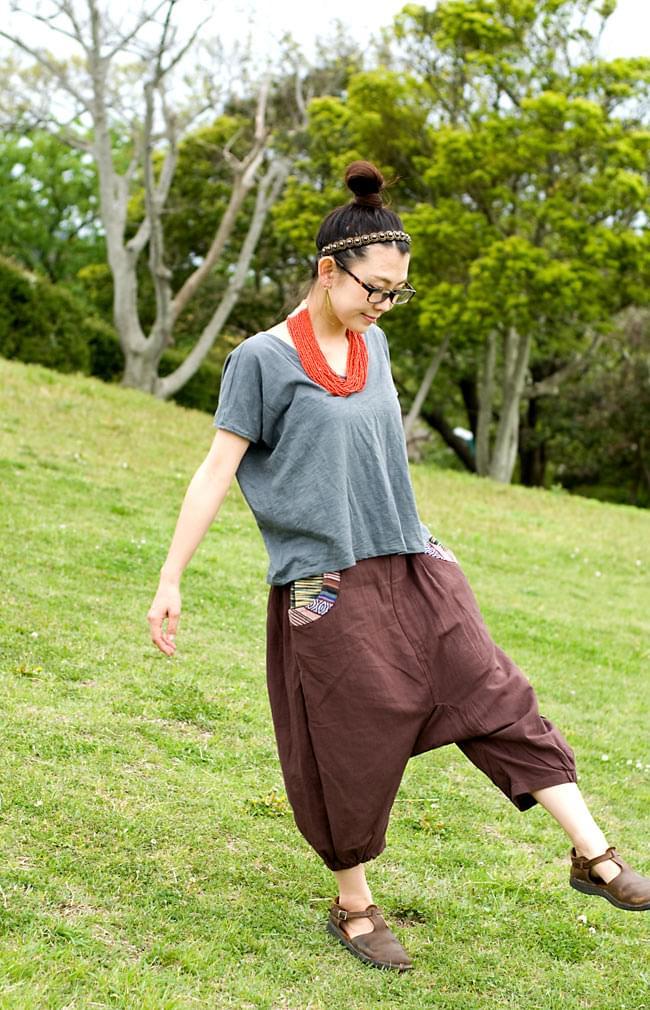 ニットポケットが可愛い!コットンパンツの写真7 - G:焦茶(こちらは裾部分のゲリコットンがございません)