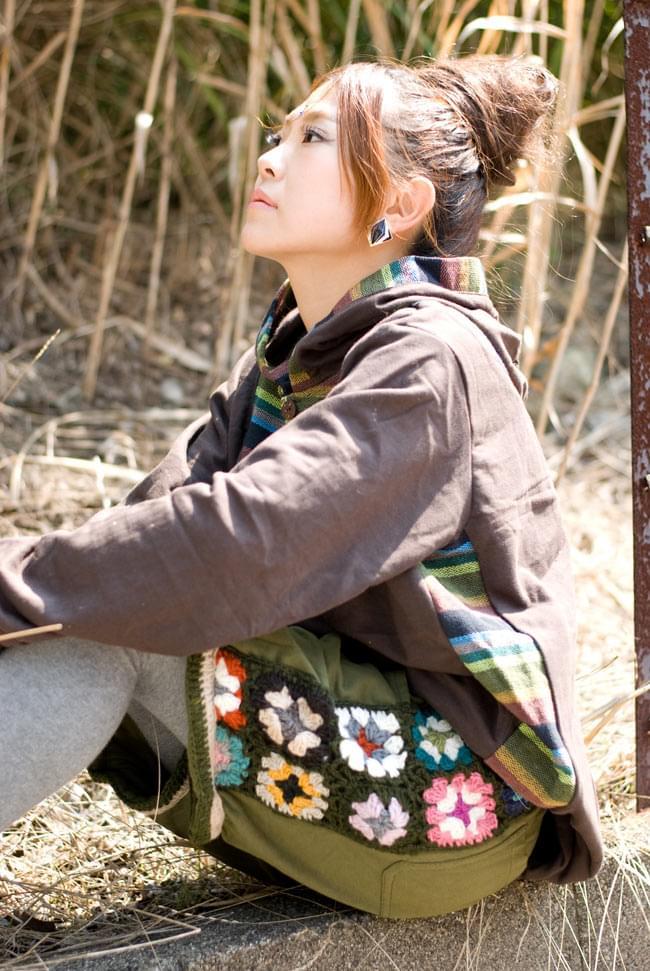 お花刺繍のスウェットハーフパンツ 2 - B:カーキ:サイドの刺繍が可愛いです。