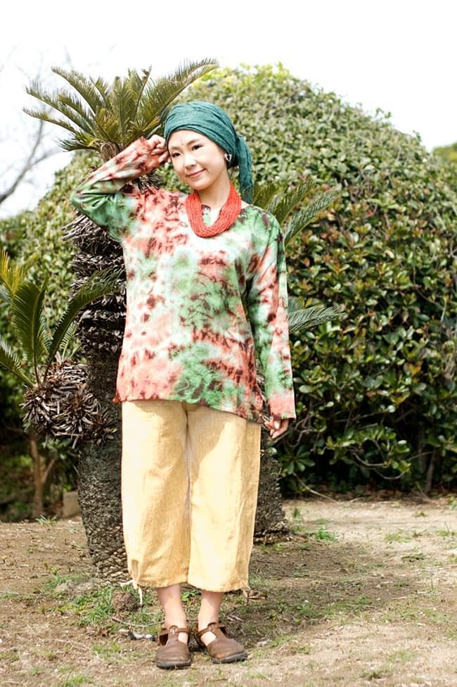 ストーンウォッシュの八分丈パンツ 【キャメルベージュ】 2 - 合わせるものによって雰囲気が変わって使いやすいパンツです。