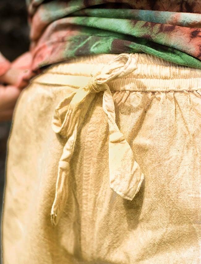 ストーンウォッシュの八分丈パンツ 【キャメルベージュ】 5 - ウエストはゴムと紐なのでとてもラクチンです。