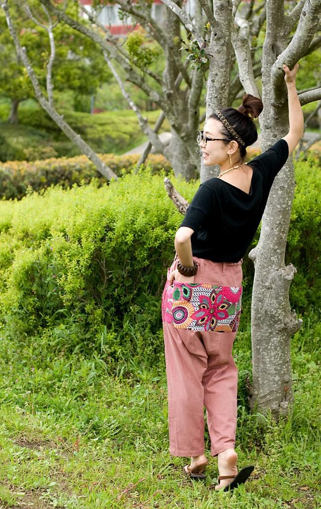 バックプリントのサルエルパンツの写真3 - B:ピンク