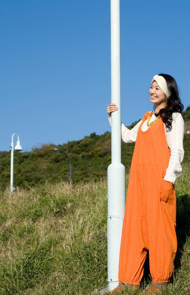 ストーンウォッシュサロペット 【オレンジ】 2 - 足首がゴムなので多少大きくても問題なく着れちゃいます!