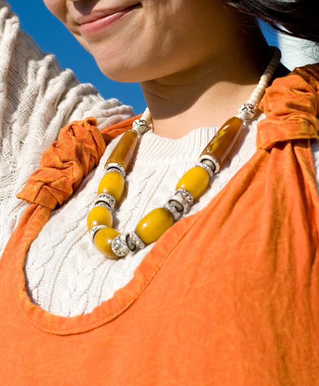 ストーンウォッシュサロペット 【オレンジ】 6 - 胸元をアップにしてみました。