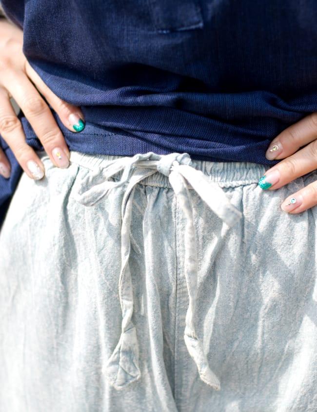 ストーンウォッシュの八分丈パンツ 【ピンク】 7 - ウエストはゴムと紐なのでとてもラクチンです。