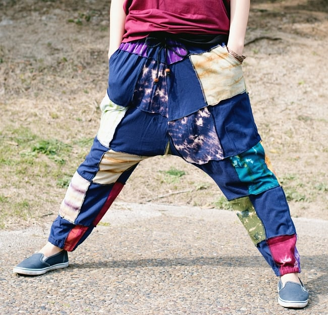 タイダイパッチワークのスウェットパンツ 6 - 伸びるのでとにかく履いていて楽なパンツです。