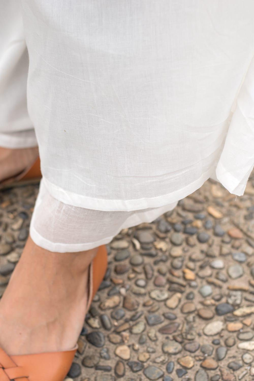 薄手コットンのワイドパンツ 4 - 裾周りをみてみました。生地が二重になっているので薄手なのに透けにくく安心です。