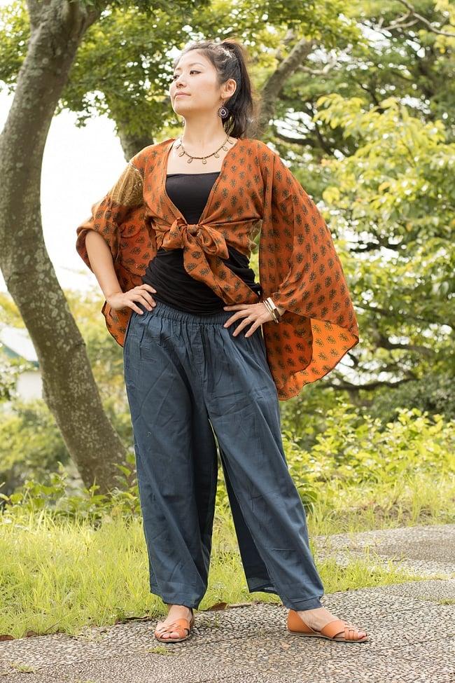 薄手コットンのワイドパンツ 5 - 身長165cmのモデルさんの着用例です。