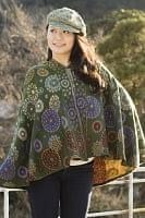 エスニック衣料のセール品:[日替わりセール品]フード付き花柄ふわふわポンチョ