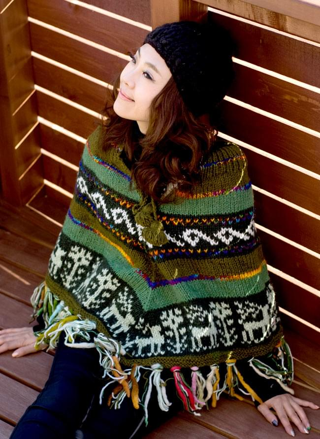 手編みのカラフルウールポンチョの写真10 - J:グリーン×カーキ