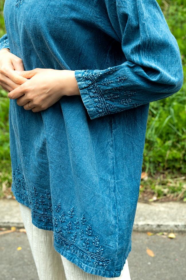 手刺繍が美しい インド綿のストーンウォッシュシャツ 7 - 袖口や裾にも丁寧に刺繍されています。