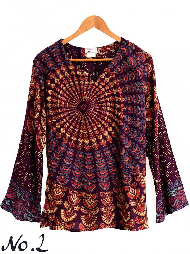 長袖ウッドブロックプリントシャツ - 赤 7 - 素材はガーゼのような柔らかい薄手の素材です。若干の透け感がありますので、中にキャミソール等を合わせて着用下さい。