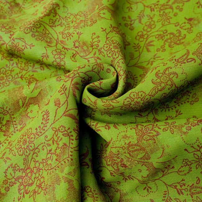 長袖リバーシブル・オールドサリー・カシュクール - 緑系 14 - オールドサリーの質感は柔らかく、上品な印象です。