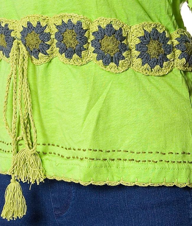ベルト風刺繍ハーフスリーブTシャツ - 黄緑 3 - サイドの紐のアップです。
