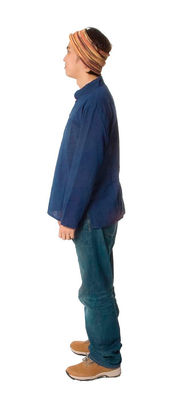 長袖シンプルコットンボタンクルタ 【紺】 3 - 横から見るとこんな感じです。