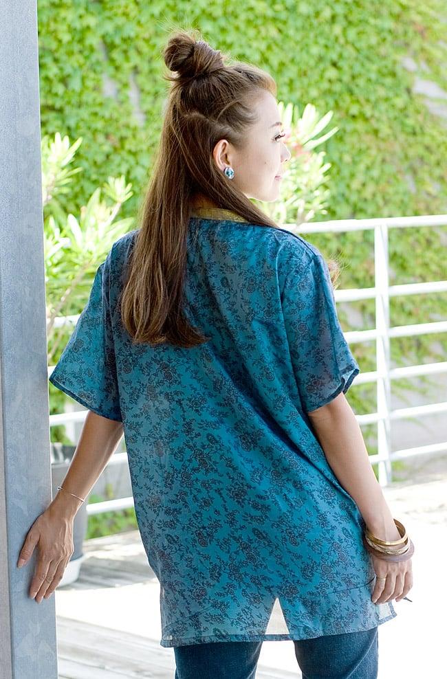 オールドサリーの半袖プルオーバーシャツ ブルー系の写真5 - 後ろ姿です。