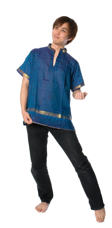 オールドサリーの半袖プルオーバーシャツ ブルー系の写真9 - 身長172�の男性スタッフも着てみました。ユニセックスのデザインです。