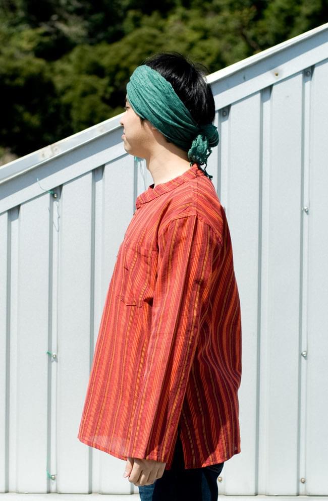 長袖ボタンクルタ 【オレンジ赤系】の写真2 - 横から見るとこんな感じです。