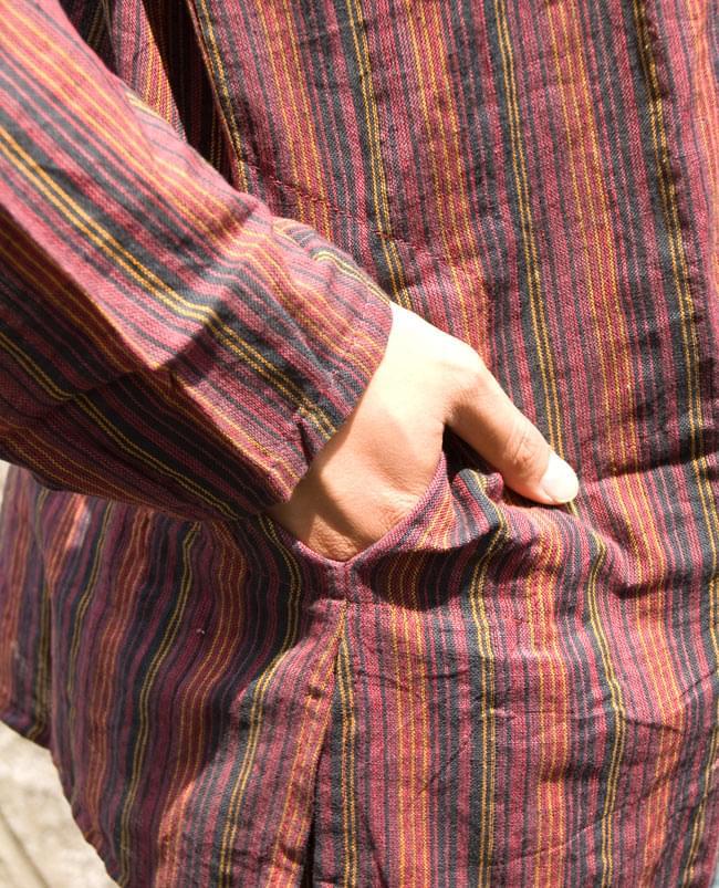 長袖ボタンクルタ 【オレンジ赤系】の写真6 - ポケットもあります。(こちらは色違いの商品になります)