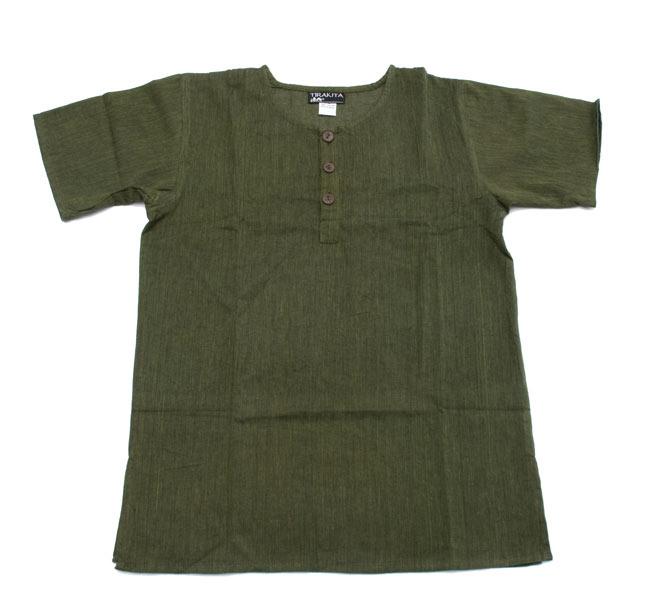 半袖シンプルコットンシャツ - カーキ 7 - 広げてみました。シンプルな形をしています。