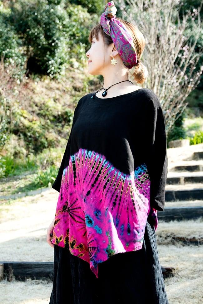 タイダイレーヨンサラサラシャツ 2 - 合わせる色やアクセサリーによって、シックな雰囲気にもなります。