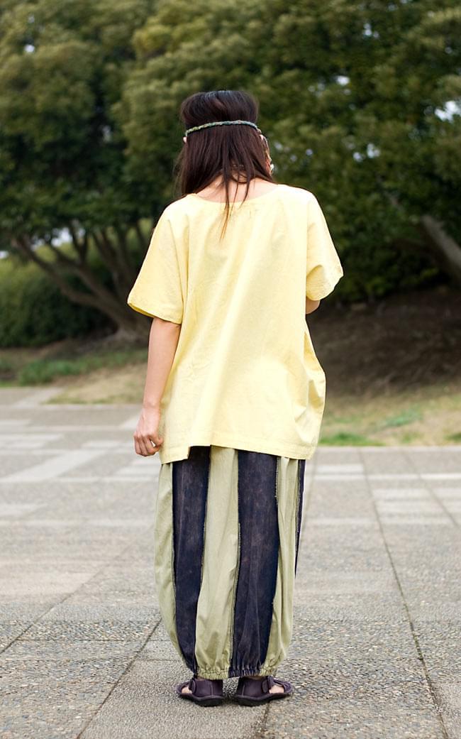 ストーンウォッシュの半袖プルオーバーシャツ 【ライトイエロー】の写真4 - 後ろ姿です。