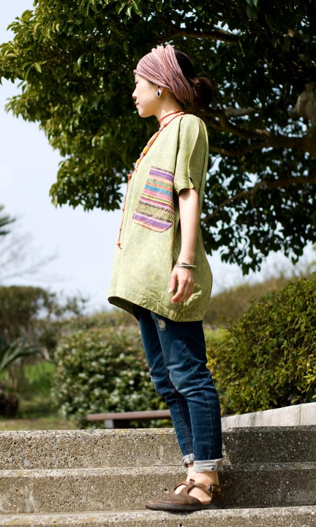 ストーンウォッシュの半袖プルオーバーシャツ 【グリーン】 3 - 横からの姿です。
