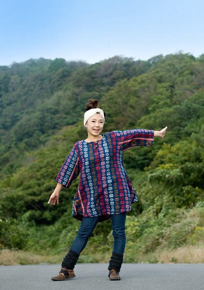ダッカ織りのふわふわクルタシャツの写真11 - B:ブルー系