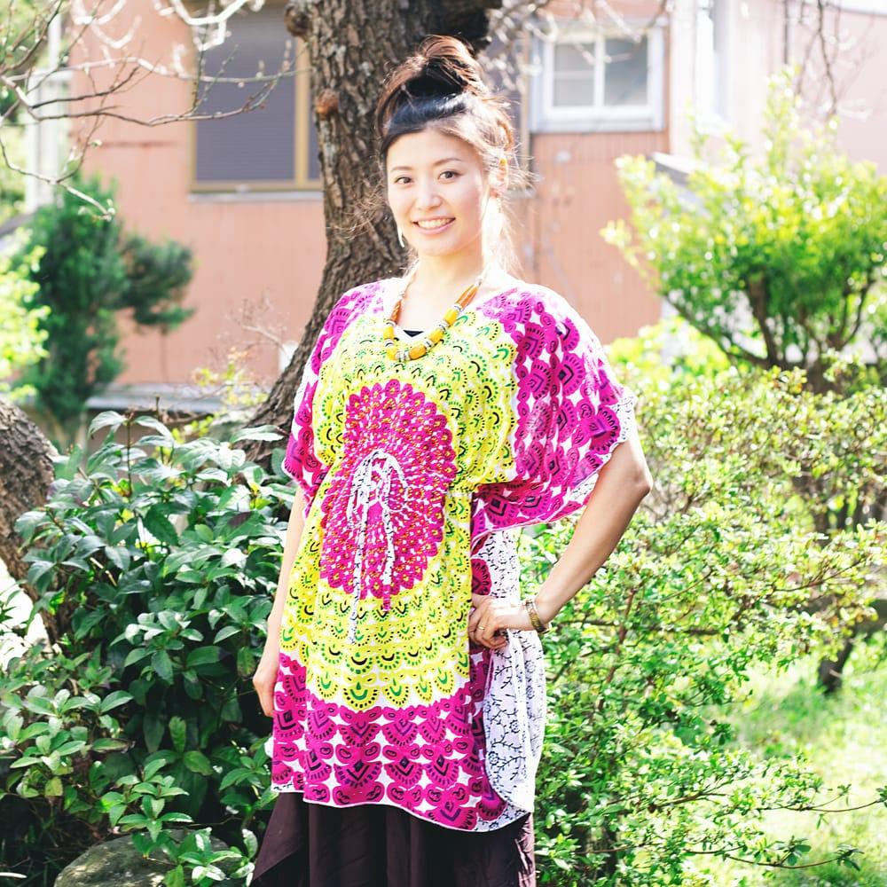 バタフライスリーブのカラフルプリントシャツ 18 - R:デザインA-白×黄×ピンク系
