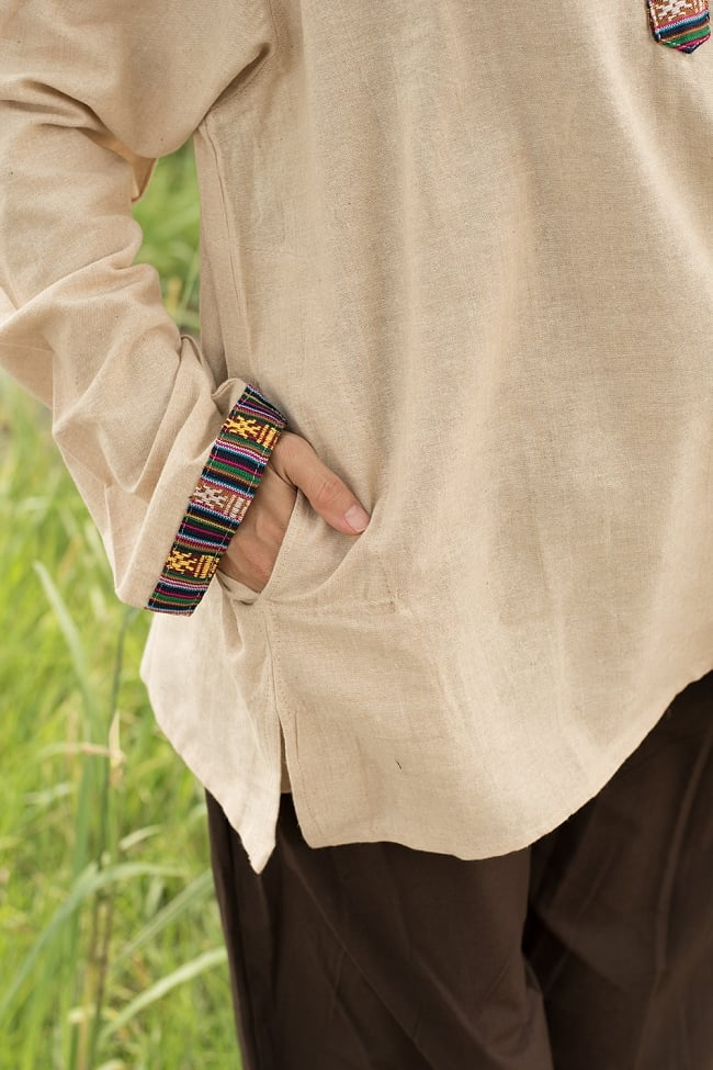 ブータン織 コットンクルタ 5 - 右腰側にもポケットが付いています。