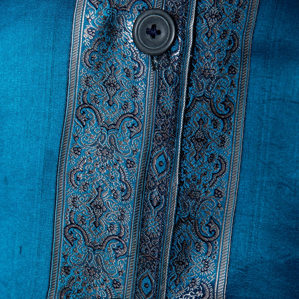 【1点もの】サリー刺繍 長袖クルタシャツ  7 - 刺繍部分をアップで見てみました。